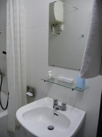 Duc Thai Hotel : Free soap, shampoo, toothbrush
