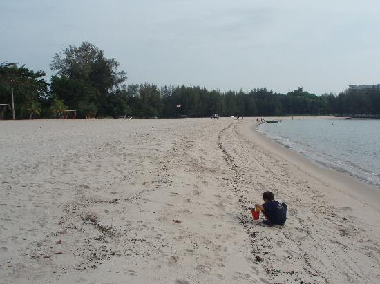 The Grand Beach Resort: Almost deserted beach