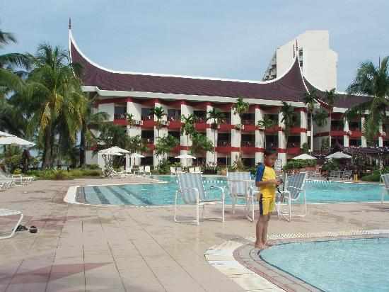 The Grand Beach Resort: The pool