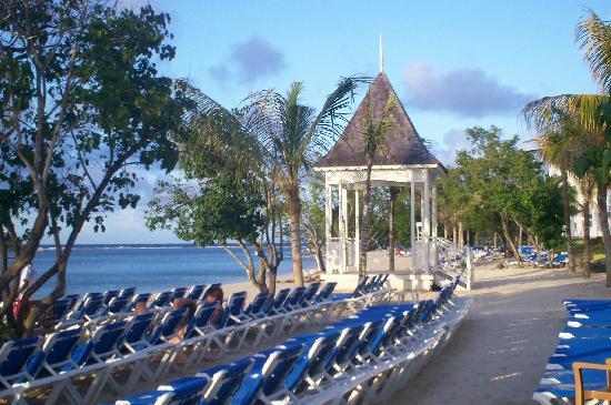 Hotel Riu Montego Bay Wedding Gazebo On Beach
