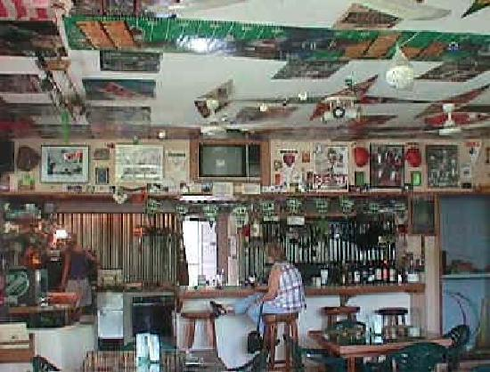 XS Memories: Bar and Main Dining Room
