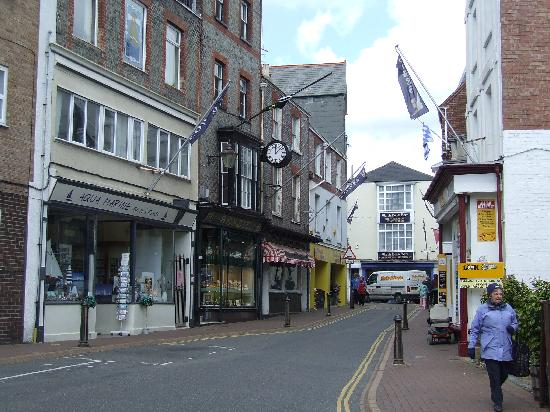 Locationphotodirectlink G186308 I19062163 Isle_of_wight_england on The Town Mouse And Country