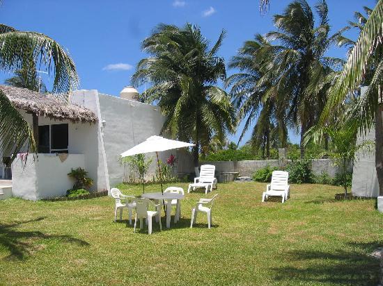Villas Roots: villas ample gardens