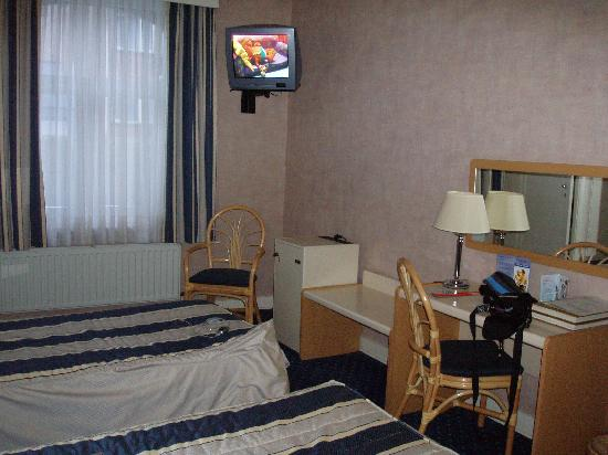 Hotel des Colonies: rest of the room