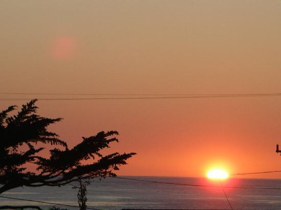Cayucos Sunset Inn: Sunset from the Sunset room