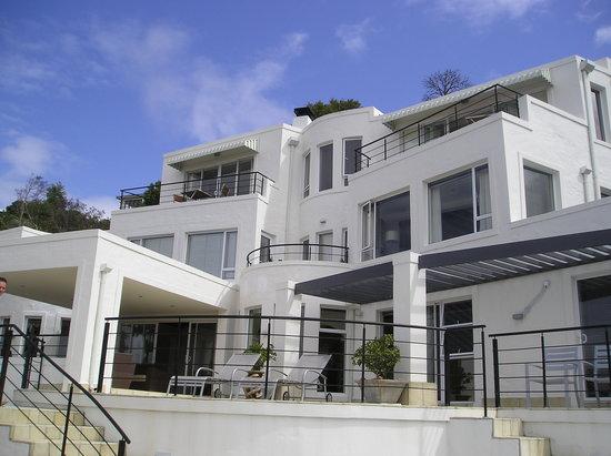 Villa Afrikana Guest Suites: Villa Afrikana von Aussen