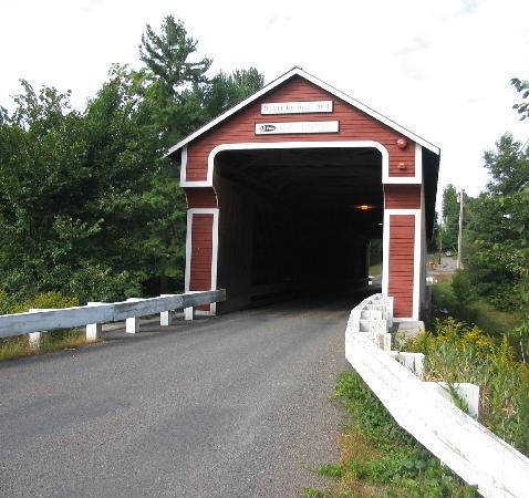 Swanzey, NH: Slate Covered bridge