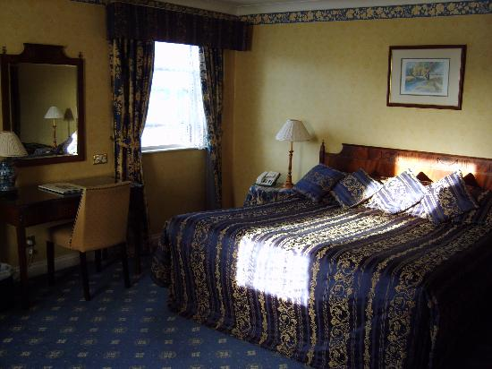 The George Hotel: The Blue Room