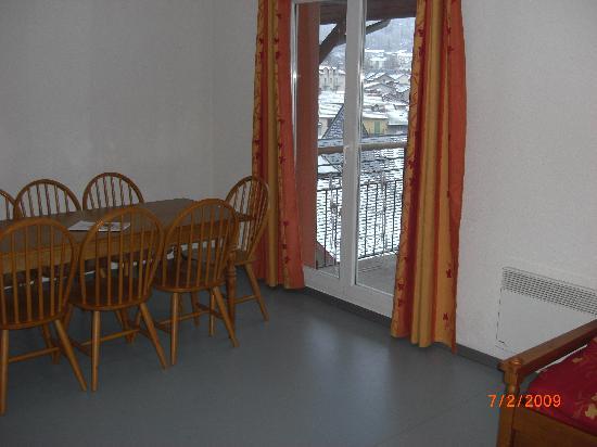 Nemea Residence Les Grands Ax: Dining Area