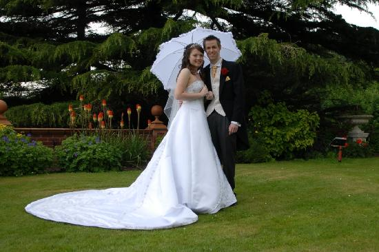 Bryn Howel Hotel: Wedding Pictures3