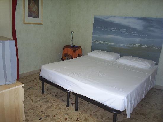 Mare Nostrum: Room