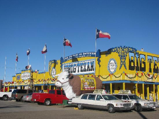 Big Texan Steak Ranch: Big Texan outside