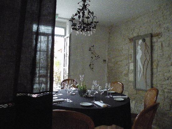 les jardins d'Aliénor : la salle à manger