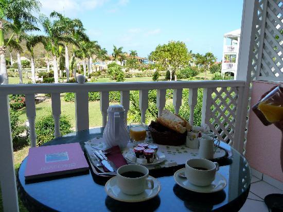 Le Domaine Beach Resort & Spa: Vue de la terrasse de la chambre