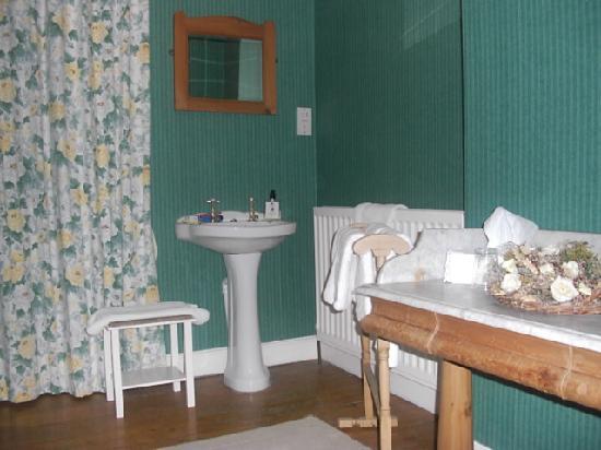 Avon View: The Bathroom