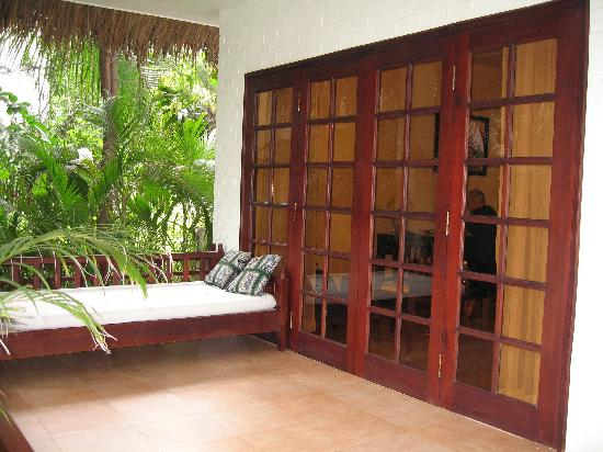 Cham Villas: Daybed on the private porch