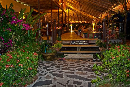 Amber Sands Beach Resort: The restaurant - an experience in tranquillity