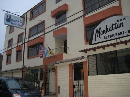 Manhattan Inn Airport Hotel: Manhattan Inn Exterior