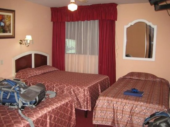 Manhattan Inn Airport Hotel: Manhattan Inn Room