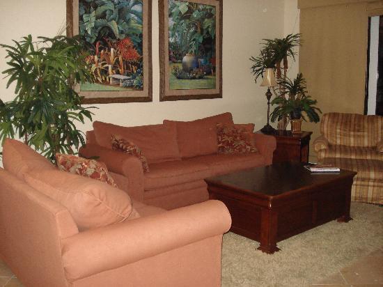 Island Vista: comfortable living area