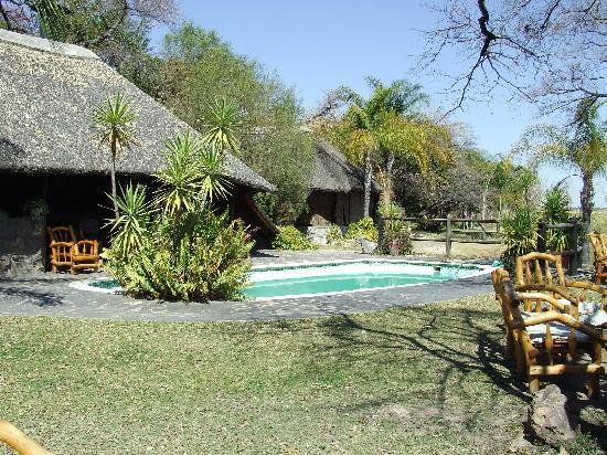 Rundu, Namibia: pool, lapa and dining room