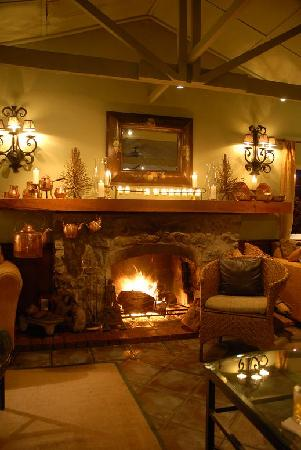 Hotel Panamonte: Wonderful fireplace in the bar