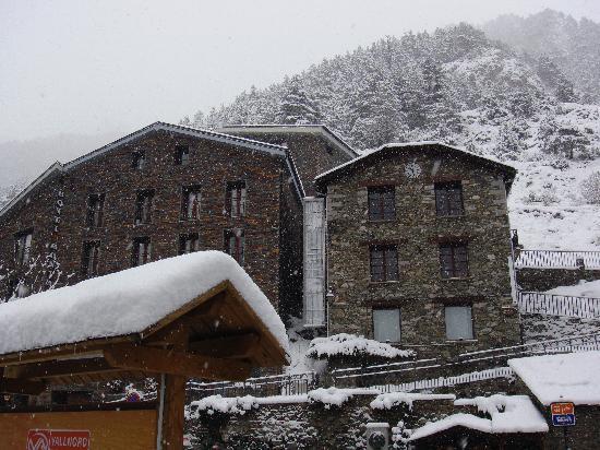 Hotel Montane: hotel exterior
