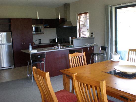 Lake Wanaka Villas at Heritage Village Country Resort: Inside