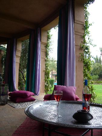 Dar Zemora: the patio