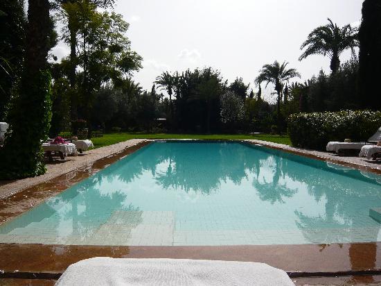 Dar Zemora: Pool