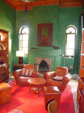 Dar Zemora: the library