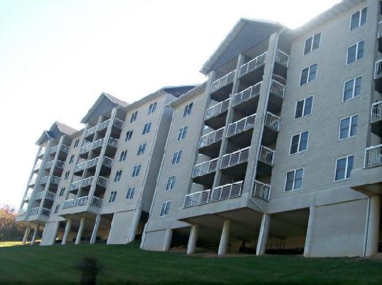 Whispering Pines Condominiums: Whispering Pine Condo, city side/view!