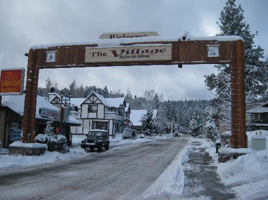 Right in the village picture of robinhood resort big for Big bear village cabins