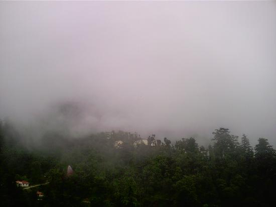 Mussoorie, India: clouds end
