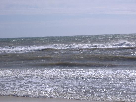Best Western Apalach Inn: Rough Surf