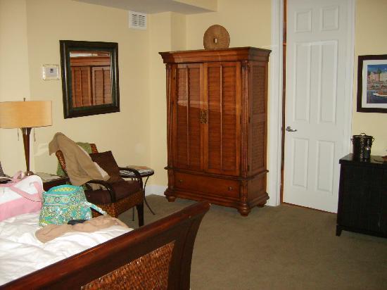 Water's Edge Inn: Charleston Room