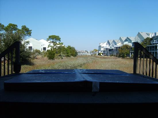 Water's Edge Inn: View from hot tub