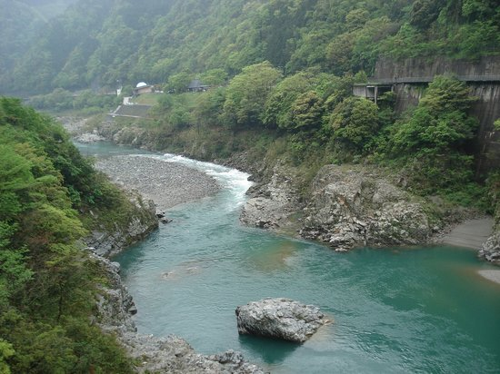 Miyoshi, Japan: トロッコから見る大歩危・小歩危