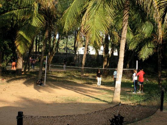 Manipal County : badminton