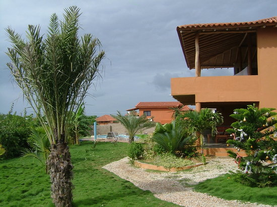 Posada Yemaya: gardens with pool