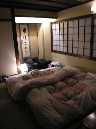 ماتسوبايا ريوكان: the room and beds