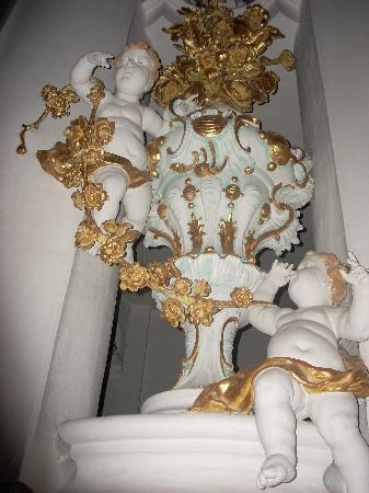 Wieskirche: Putti are only part of the exuberent Baroque decor