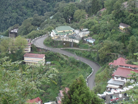 Mussoorie, Inde : A View From Gun Hill