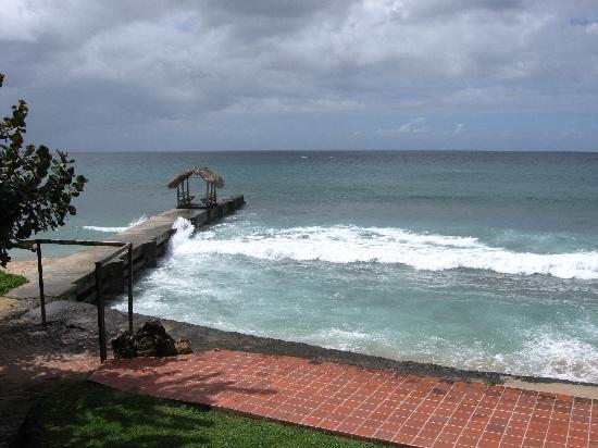 ساندي بوينت فيليدج: Beach View from S&L Restaurant
