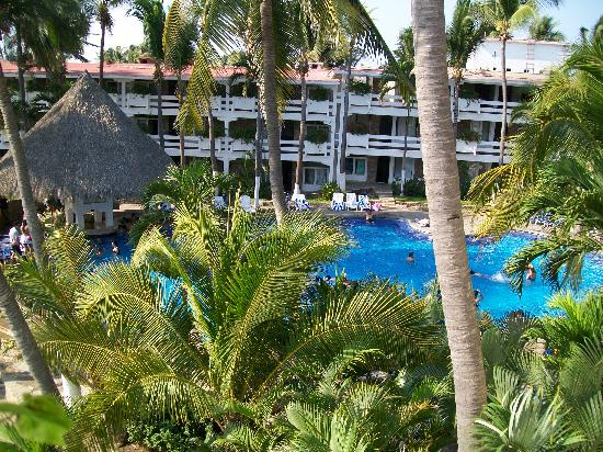 Marparaiso Queen: View of the large pool