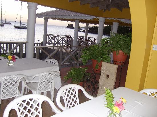 Paradise Beach Hotel: Restaurant