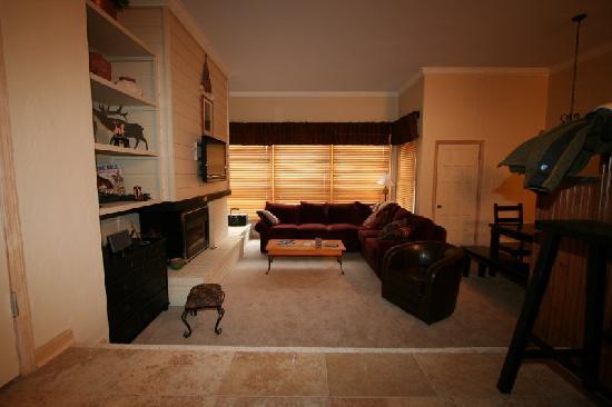 Kutuk Condominiums at Steamboat Springs: Room View 1