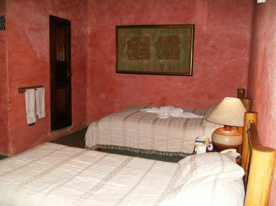 Hotel Casa Azul: interior of room 9