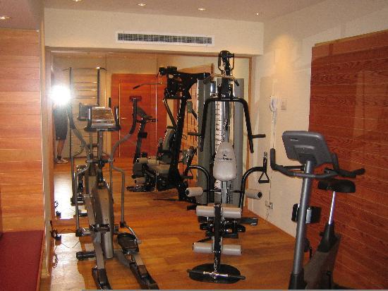 K+K Hotel Elisabeta: Fitnessraum