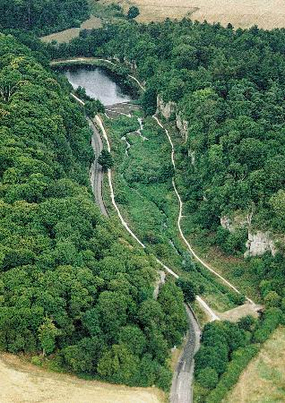 Worksop, UK: Beautiful Limestone Gorge